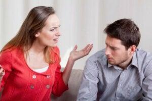 3 facteurs qui stimulent une personne conflictuelle