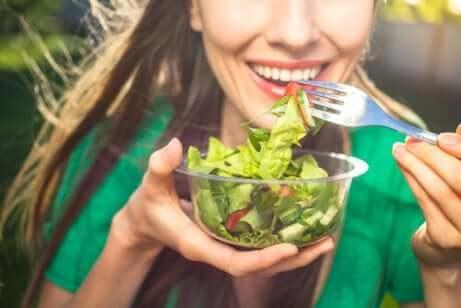 Suivre un régime alimentaire sain.
