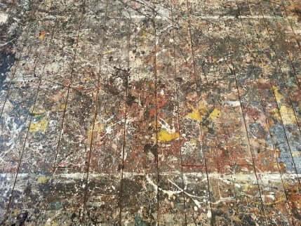 Un tableau de Pollock, artiste expressionniste.