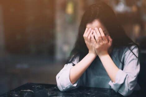 Causes de l'anxiété d'avoir un partenaire.