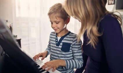 Les bienfaits de la musicothérapie chez les enfants autistes