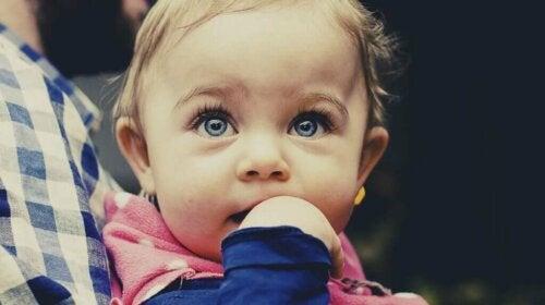Peut-on déterminer l'intelligence d'un bébé ?