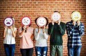Interpréter les émotions des autres, une question de confiance