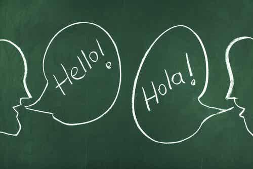 Dialogue bilingue.