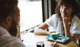 Les conversations intéressantes améliorent le bien-être