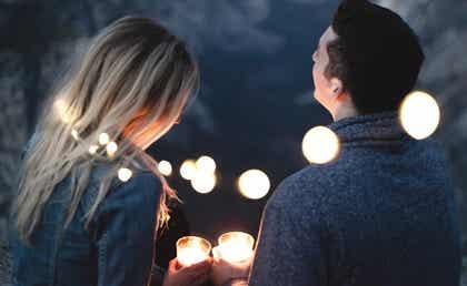 Couple et lumières.