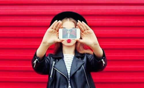 Comment les réseaux sociaux influencent-ils l'image corporelle ?