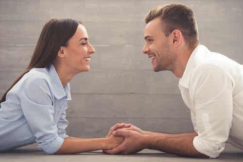 Couple qui discute.