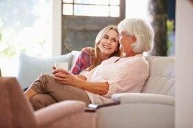 La psychologie des grands-mères : la valeur des dictons