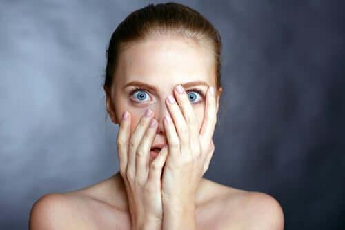 Les peurs apprises : les peurs que les autres nous inculquent