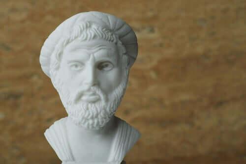 Pythagore, biographie du premier des plus purs mathématiciens