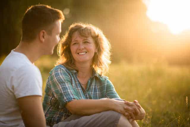 Une mère et son fils,