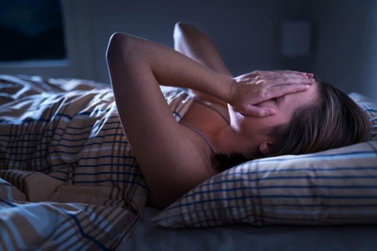 Troubles émotionnels nocturnes: pourquoi est-ce que je me sens anxieux la nuit?